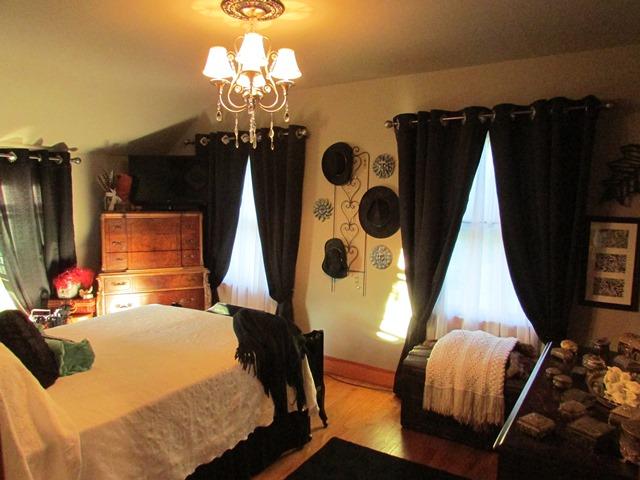 DesAnn Collins bedroom