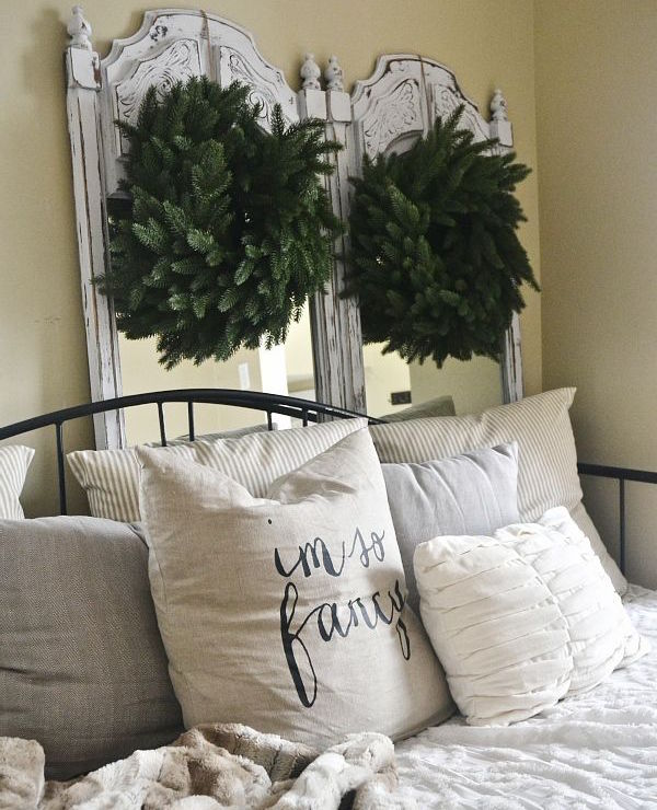 Christmas bedroom rustic decor wreaths
