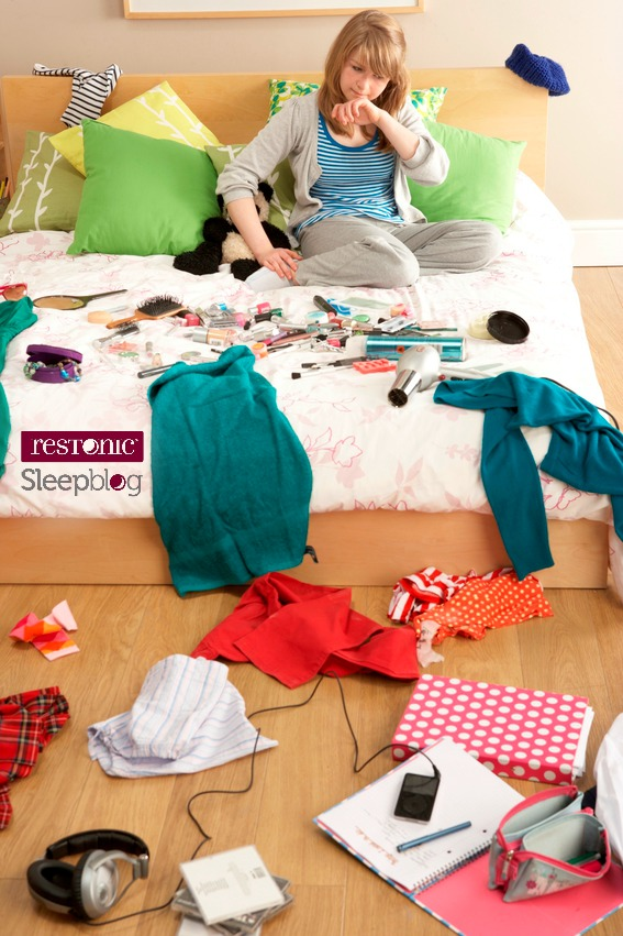 Clutter & Sleep Make TERRIBLE Bed Partners!