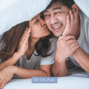 """Snoring is no laughing matter! More than 22 million Americans have sleep apnea – are you one of them and what's the risk? Snoring may lead to some comical situations and good-natured ribbing between bedmates and family members, but it may also be the calling card for a serious health condition with potentially life-threatening consequences. More than 22 million Americans have sleep apnea, 80% suspected with moderate and severe obstructive sleep apnea undiagnosed. At the very least, sleep apnea spoils your sleep through a series of mini moments of waking, resulting in groggy mornings. But it's more complicated than a poor night's sleep. Sleep apnea is linked to a wide range of health issues, from high blood pressure and cardiovascular issues to an increased rate of traffic accidents. Poor sleep quality is a public health crisis that shows no signs of abating, especially as our 24/7 pluggedin-society continues to find new ways for us to connect. Along with just feeling lousy, sleep deprivation increases risk for a number of chronic diseases like diabetes, stroke and cardiovascular issues. Now, scientists are adding another illness to that gruesome list – Alzheimer's Disease. Based on a growing body of research, there's a strong link between lack of slumber and this debilitating condition that affects an estimated 4.5 million Americans. Some of leading experts in sleep apnea say it's time to get real about this significant health issue. It kills an estimated 38,000 Americans annually, including Star Wars' leading lady Carrie Fisher. After an autopsy, the coroner ruled that obstructive sleep apnea contributed to her death. What are some of the common signs and symptoms of sleep apnea? Wondering if you have sleep apnea? According to the experts, these are the essential things you should look for if you're concerned about this dangerous and under-treated condition. """"Waking up frequently and gasping for air is one of the first signs you may have sleep apnea,"""" explains Dr. """