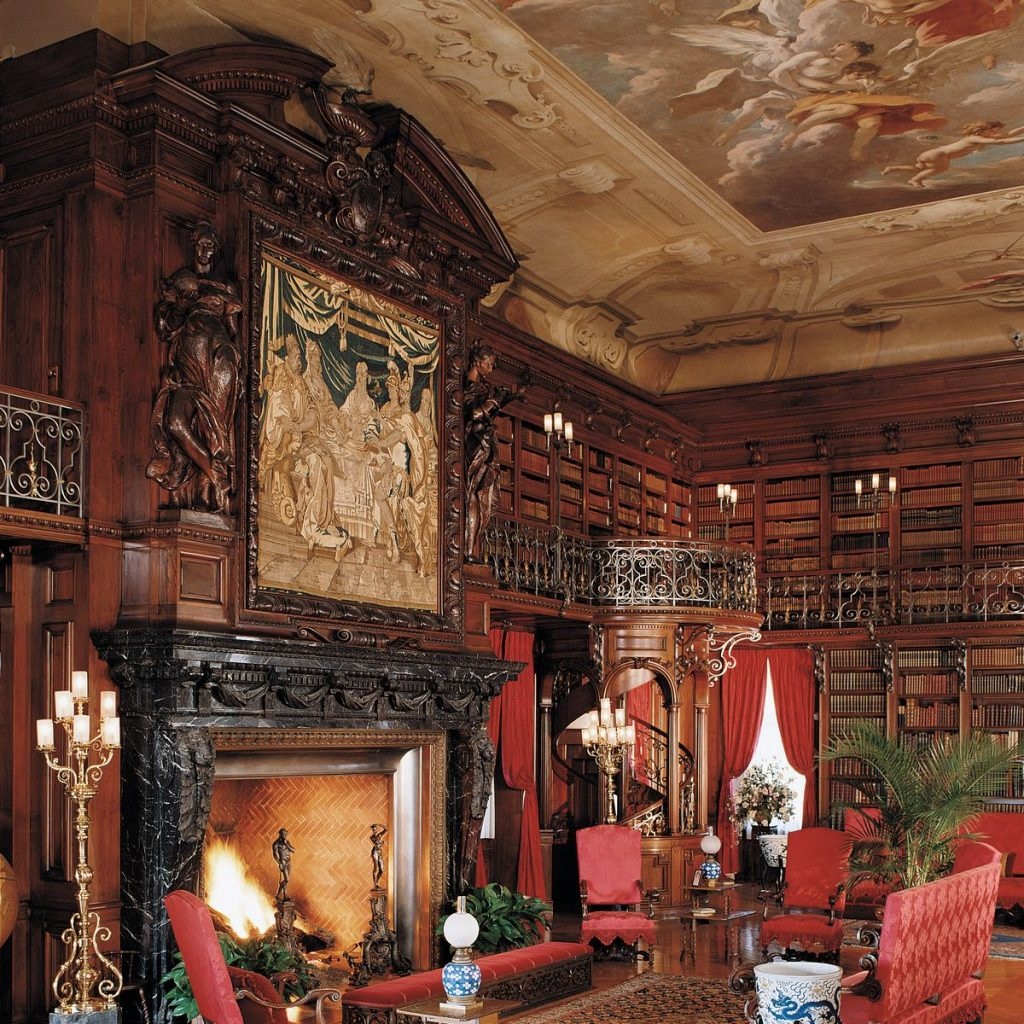 Bedtime Reading Habits, Inspired by & Biltmore®
