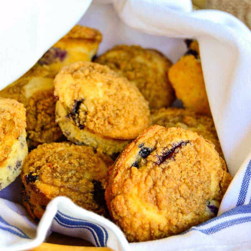 Streusel-Topped Blueberry Muffin Recipe