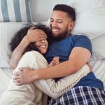 Do Men & Women Sleep Differently? Welcome to the Battle of the Bed!
